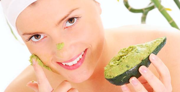 Perawatan kulit wajah dengan bahan alami